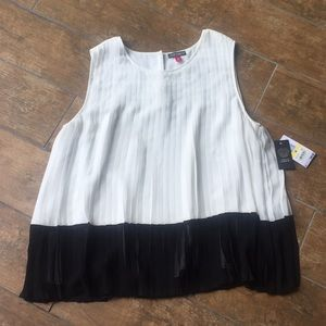 Vince Camuto top. NWT